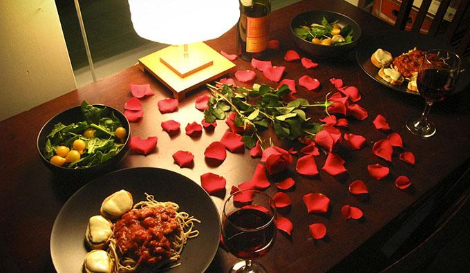 Романтический ужин в подарок парню на 14 февраля